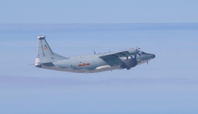 台湾媒体:中国人民解放军军用飞机21天内第18次于今天再次进入台湾西南部领空。  第1张
