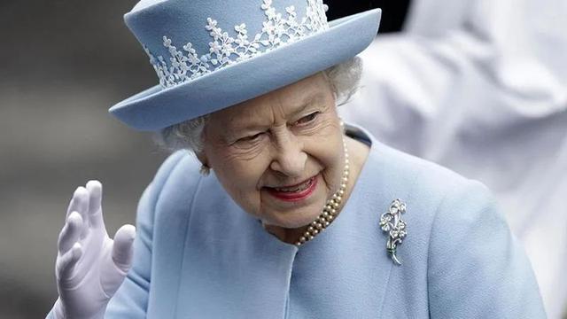 不能客气!英国女王用这个词作为脏字。  第1张