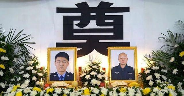 两个人无悔地杀了警察,死刑!