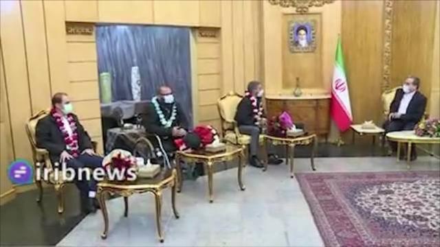 英国媒体:伊朗释放在押的澳大利亚和英国女间谍,以换取三名伊朗被拘留者。  第3张