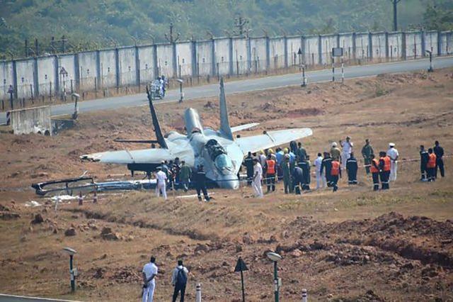 印度军队又撞机了!一架米格-29K舰载机坠海,飞行员获救失踪。  第2张