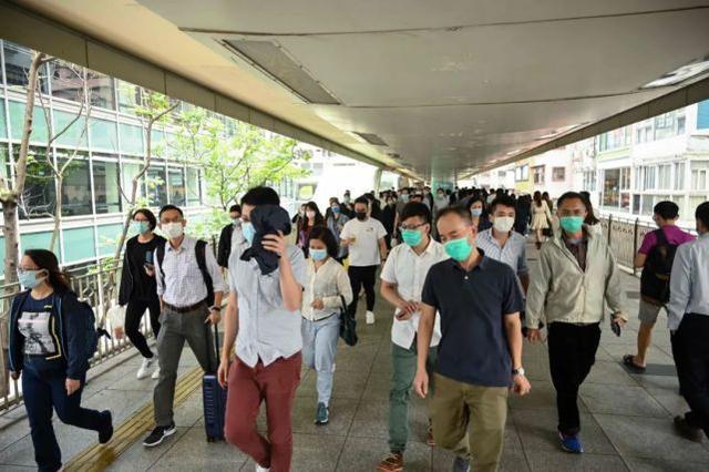 警惕!香港新增病例单日突破100例。钟南山的最新建议→。  第1张