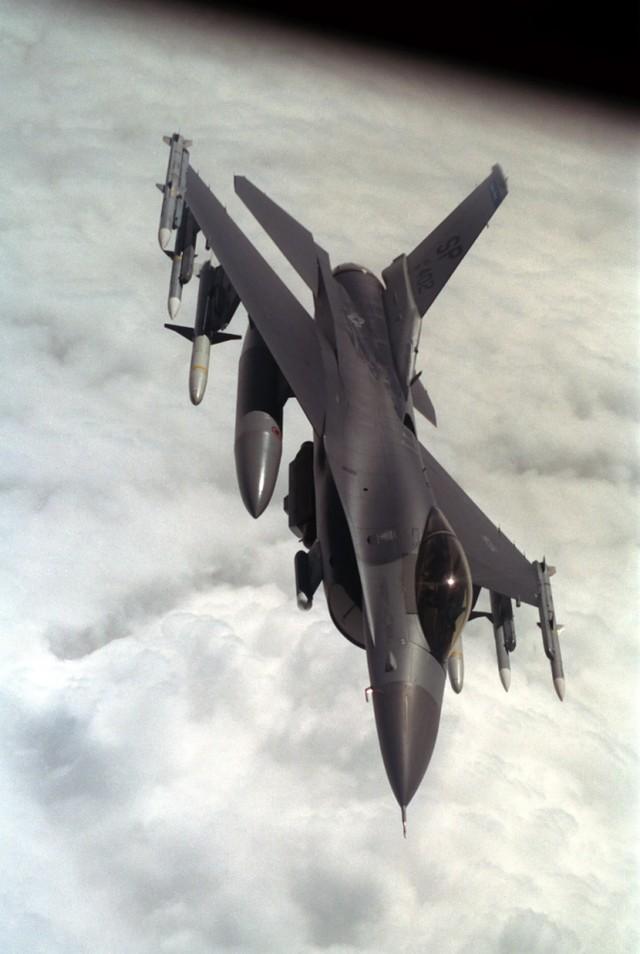 真的打了不止一个!F-117飞行员回忆起塞尔维亚上空的恐怖时刻。  第4张