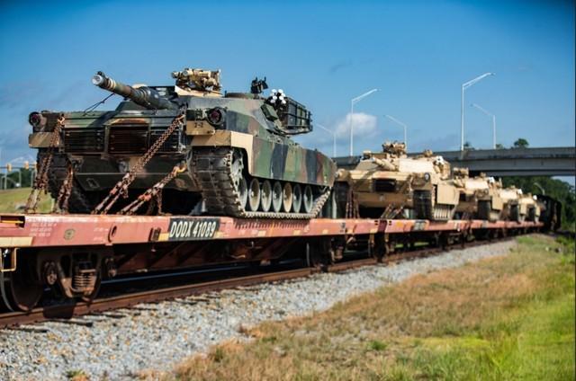 """""""漫长而光荣的历史""""结束了!美国海军陆战队让坦克手提前退役。  第1张"""
