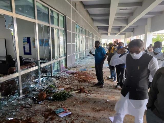 苹果公司对一家台湾公司发起调查,此前该公司在印度的iPhone代工厂被捣毁。  第1张