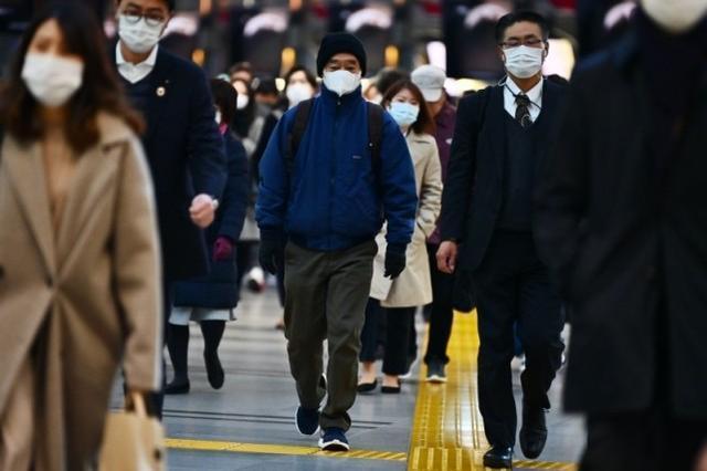 菅义伟拒绝宣布日本进入紧急状态,因为内阁支持率因疫情而大幅下降。  第2张