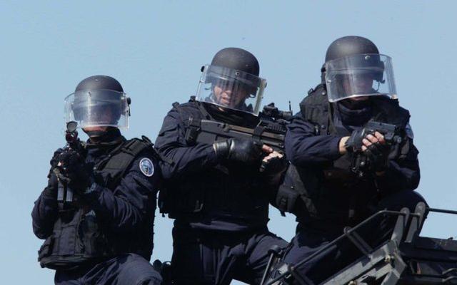 家暴变成袭警!三名法国警察在处理家庭暴力案件时被枪杀。  第2张