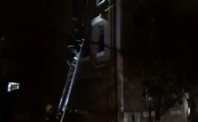 教科书式的操作,9岁的少年救了整栋楼的人!  第2张
