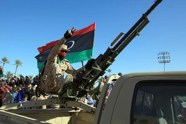 土耳其防卫长访问利比亚警告哈夫塔尔:攻击土军,受到军事打击!  第2张
