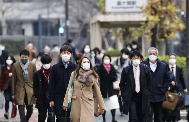 累计新冠确诊病例超过24万人,日本考虑再次发表紧急状态。  第1张