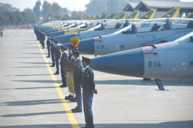 印度媒体宣布阵风比JF-17block3强,只怕转身买。  第1张