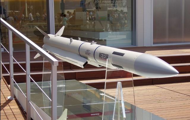 印度媒体宣布阵风比JF-17block3强,只怕转身买。  第7张