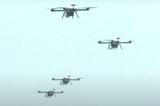 印度陆军首次演示无人机蜂群系统!印度媒体:为了打败中国,加紧防空系统的研发。  第2张