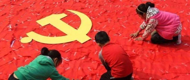 胡锡进:社会主义中国是如何消费那些期待着它崩溃的人的?  第1张