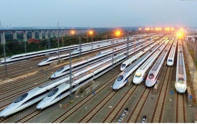 铁路部:60岁以上老人乘火车优先下铺。  第1张